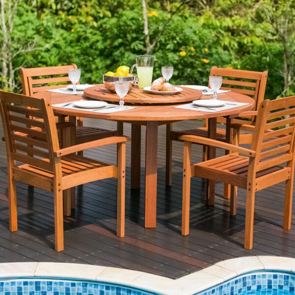 Mesa de madera para jardina